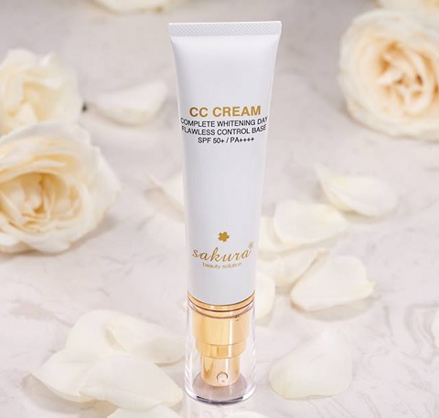 kem-trang-diem-sakura-cc-cream-flawless-control-base