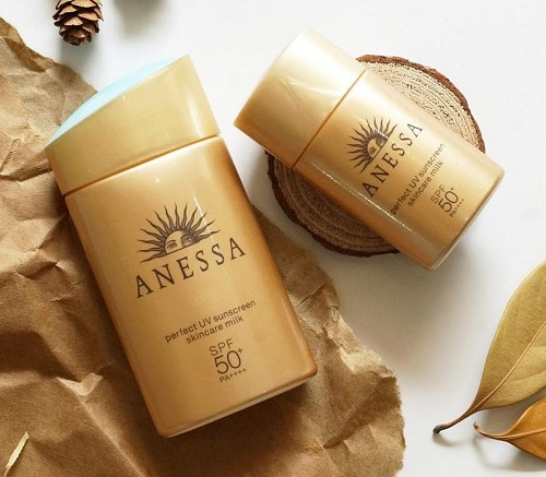 Anessa-Perfect-UV-Sunscreen-Skincare-Gel