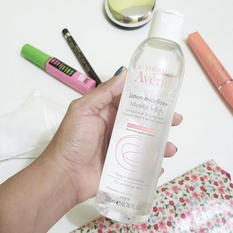 sua-rua-mat-Avene-Micellar-Lotion-Cleanser-And-Makeup-Remover