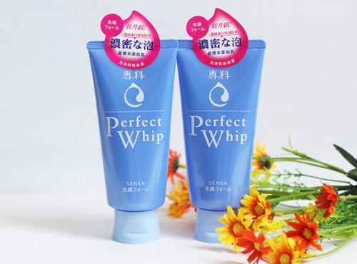 sua-rua-mat-Shiseido-Senka-Perfect-Whip-Cleansing-Foam